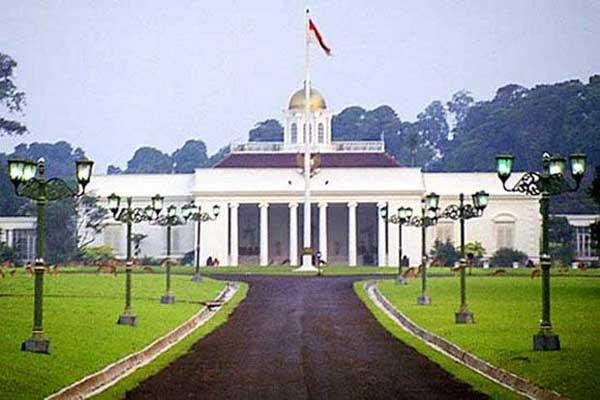 Istana Tampaksiring sangat  kental dengan ciri keIndonesiaan dan nuansa lokal Bali