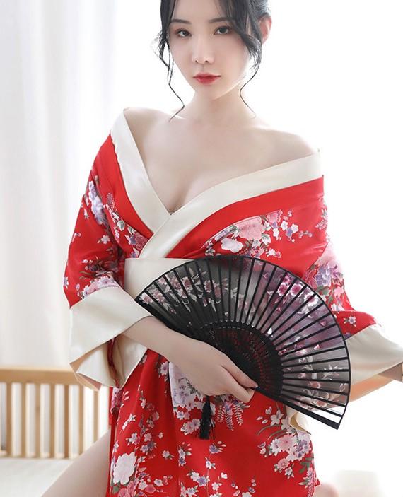 Áo ngủ kimono hoa gợi cảm