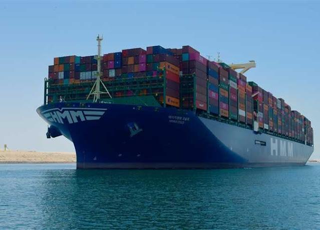خلل في قناة السويس بعد واقعة سفينة الحاويات الضخمة
