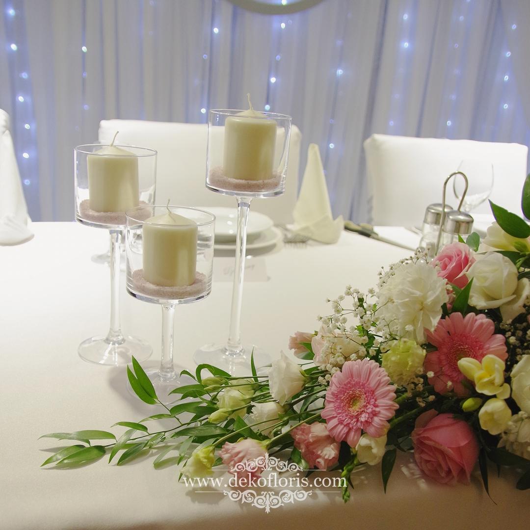Różowe dekoracje kwiatowe - wesele Słociak Opole