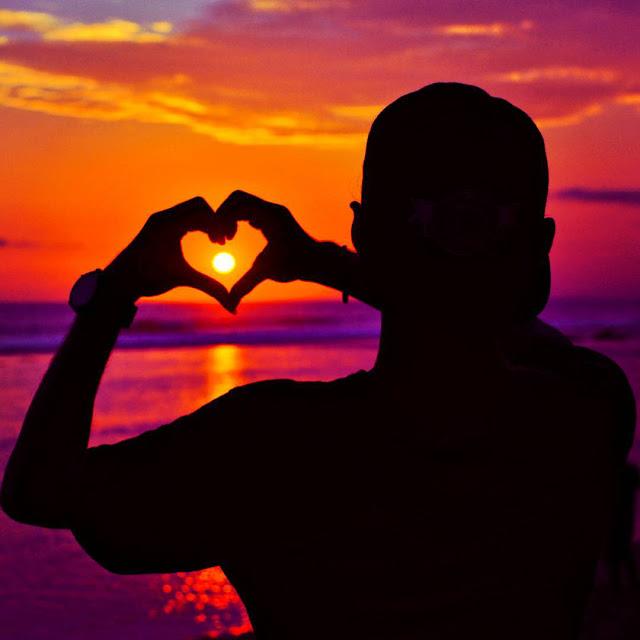 foto sunset romantis di pantai pok tunggal jogja