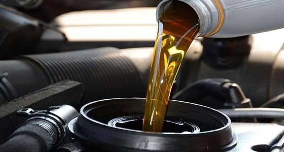 fungsi oli mesin mobil yang wajib Anda ketahui