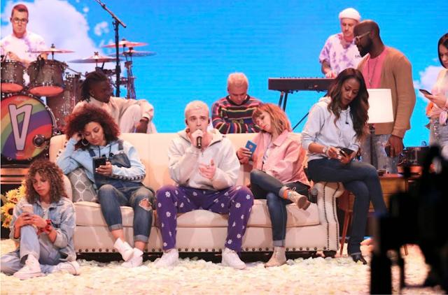"""Assista a apresentação de Lauv no """"Tonight Show Starring Jimmy Fallon"""""""