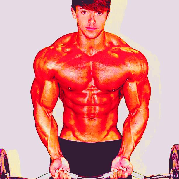 كيف تبني عضلاتك أثناء فترة حرق الدهون ؟