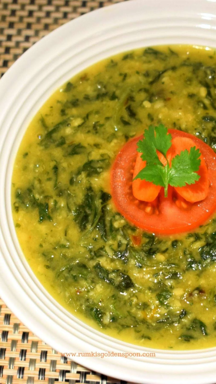 Moong dal palak, palak moong dal, spinach dal, indian dahl with spinach, dahl recipe, dal recipe, palak with dal, dal palak, dal palak recipe, Moong dal palak recipe, palak dal, palak recipes, spinach recipes Indian, moong dal recipe, Rumki's Golden Spoon