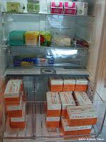 Kjøleskap med blødermedisin. Av Gro J. Nilsen.