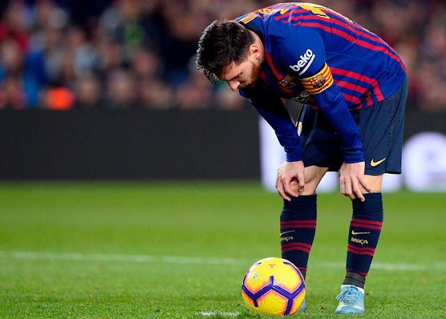 لاعب برشلونة ميسي