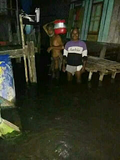 Banjir Rob Terjadi di Lotim, Puluhan Warga Diungsikan