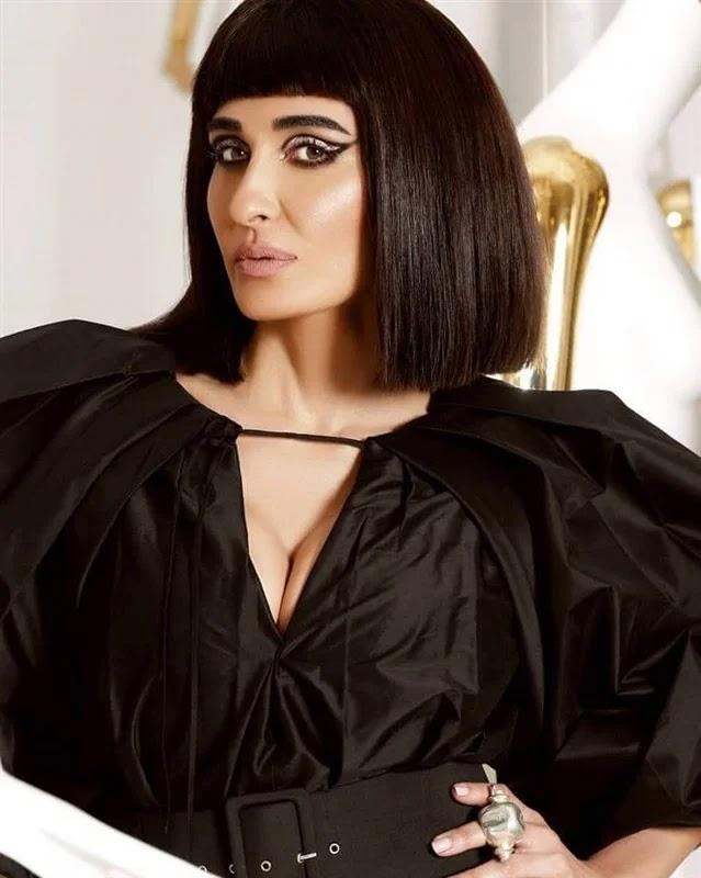 Fatima Nasr in hot Pharaonic images showing her femininity