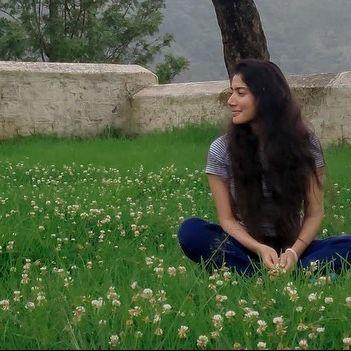 sai pallavi photos, dp for girls, heroine photos,
