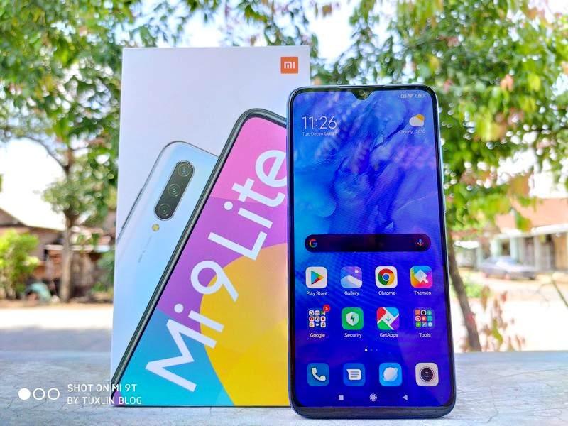 Review Xiaomi Mi 9 Lite: Smartphone Selfie Sentris Berdesain Cantik