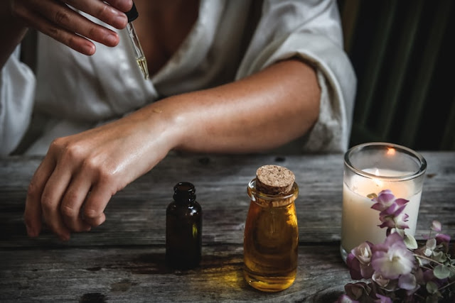 58 Best Essential Oil Blog Names