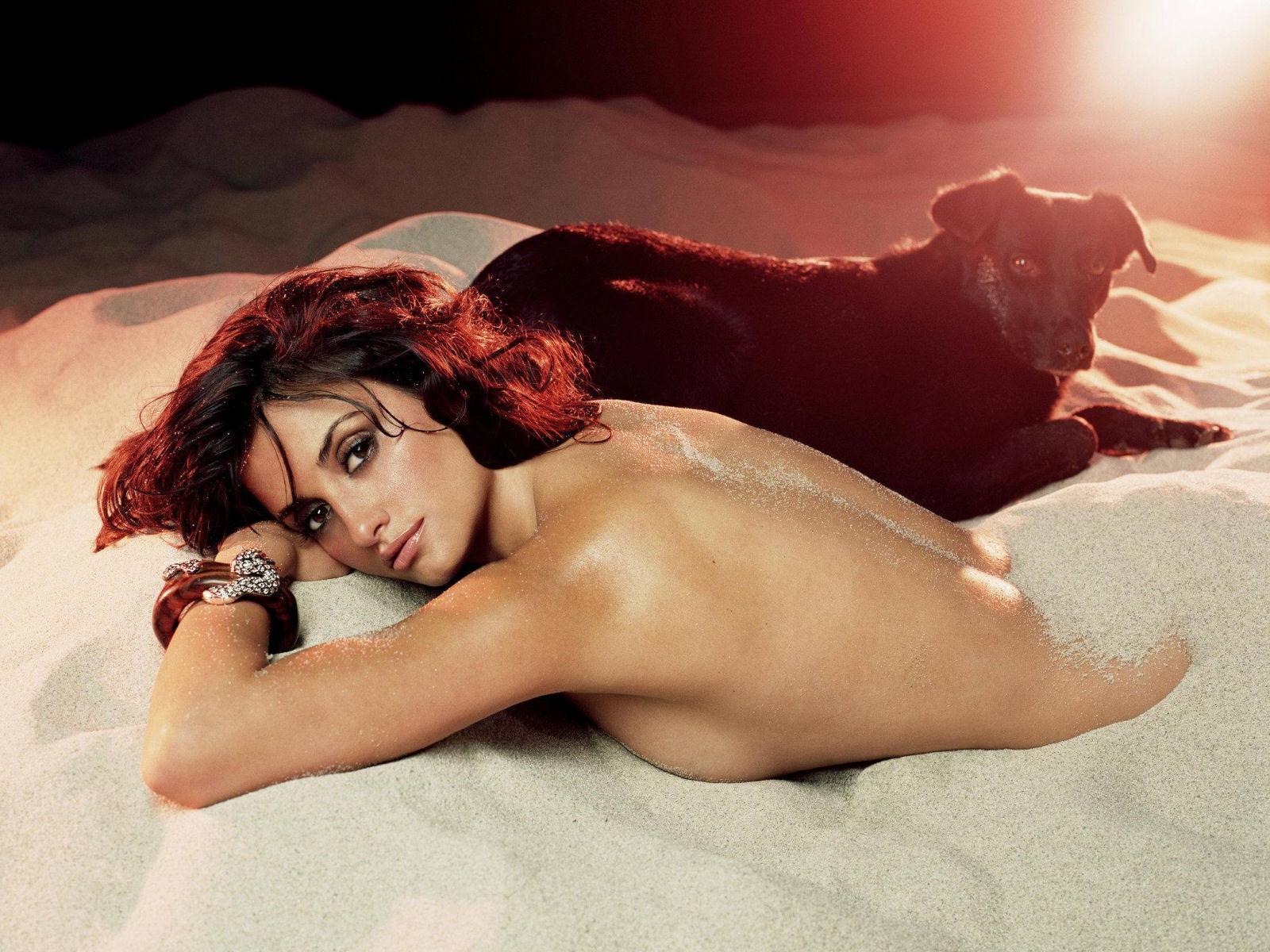 Penelope Cruz Nude Sexy Photos