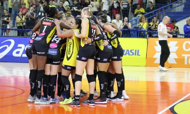 Brasília Vôlei não segura ímpeto do Praia Clube e segue sem vencer na Super Liga