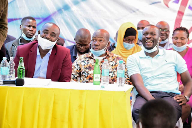 ODM SG Edwin Sifuna with Mulembe youths.