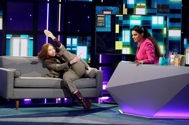 Karen Gillan Clicks at A Little Late with Lily Singh 25 Feb -2020