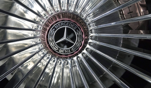 Mercedes Set to Clinch U.S. Luxury Crown Again