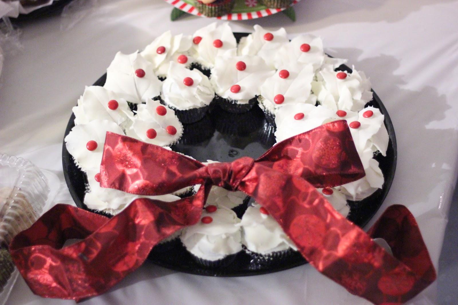 White Chocolate Wreath Cupcakes