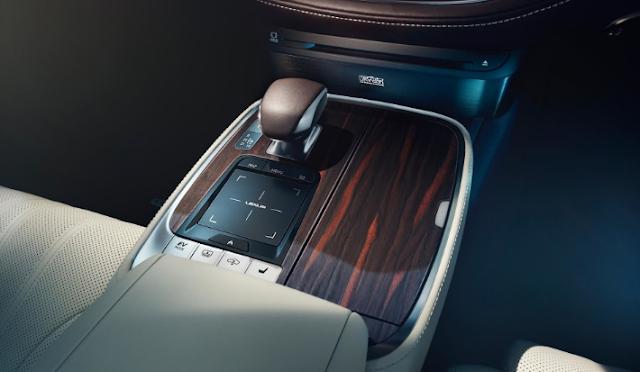 AUTOSHOW DE GINEBRA: LEXUS LS 500H 2018