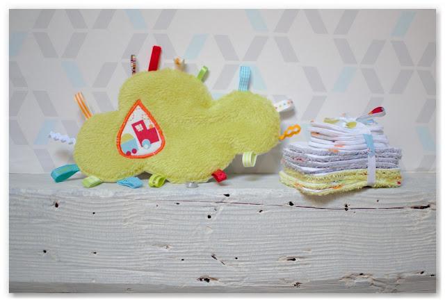 Doudous étiquettes nuage et petites lingettes réutilisables pour bébé
