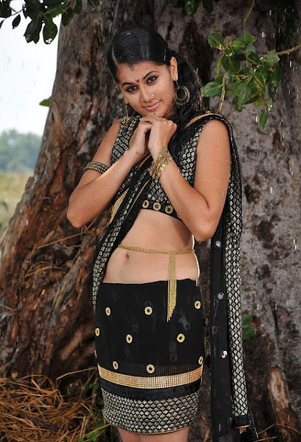 Actress Taapsee Pannu Hot Pictures Shows Off Her Sexy Navel In Half Black Saree Navel Queens
