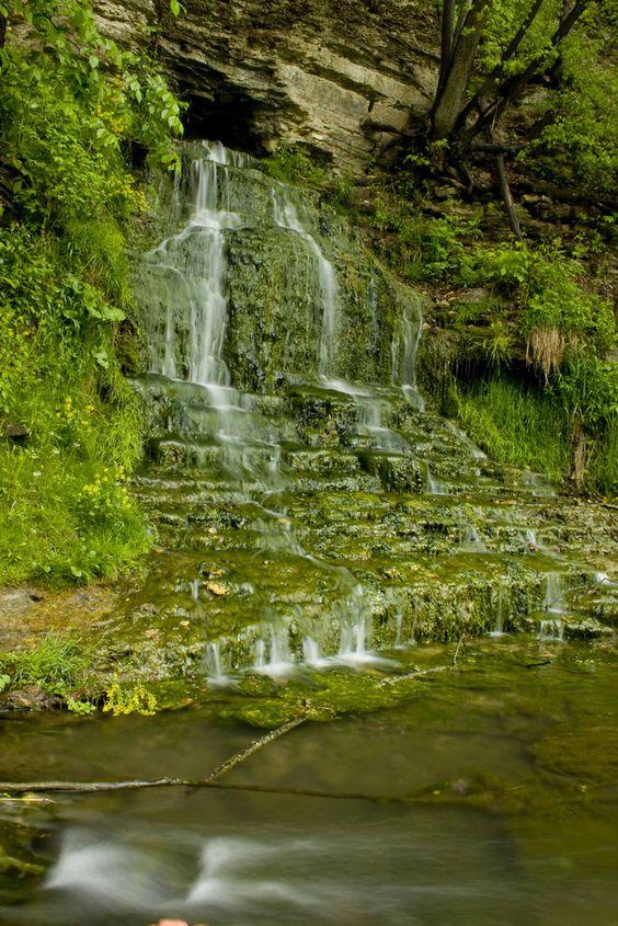 Beulah Falls, Iowa, USA