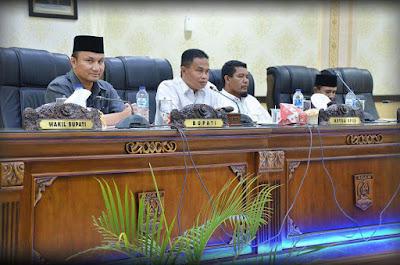 Rapat Paripurna DPRD Agam RAPBD 2018 Penyampaian Nota Keuangan Bupati