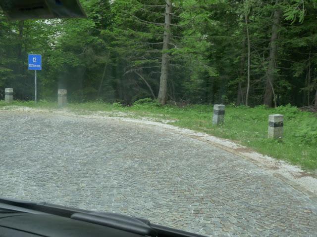Foto de la Paso de Vrisic. Paso de los rusos. curva número 12. Ruta en autocaravana por Eslovenia | caravaneros.com