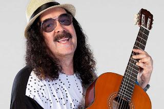 Morre aos 72 anos o primeiro cantor de trio elétrico, Moraes Moreira