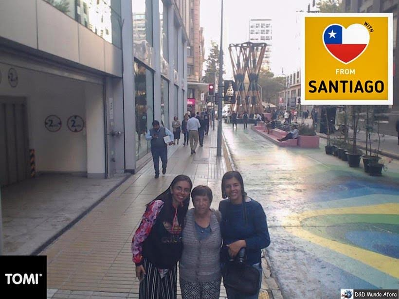 Foto na rua de Santiago - Diário de Bordo Chile: 8 dias em Santiago e arredores