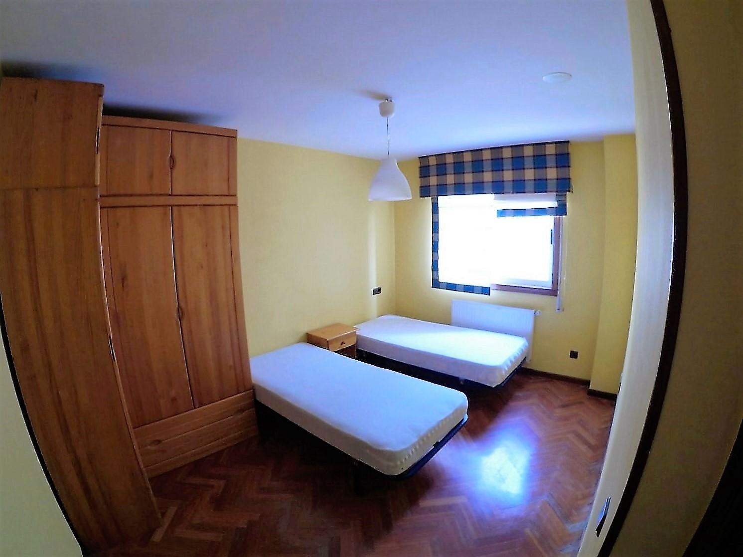 Viviendas coru a viviendas coru a piso amueblado en alquiler en lonzas dos dormitorios garaje - Alquiler pisos coruna ciudad ...