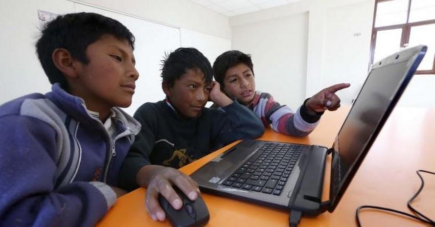 Adolescentes están más expuestos al acoso por internet durante vacaciones, advierte docente de Marketing Digital en Cibertec