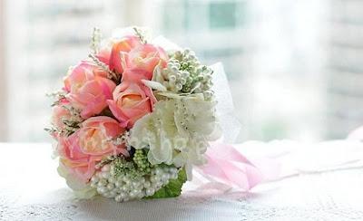 cara merangkai buket bunga mawar,cara membuat buket bunga wisuda,cara merangkai buket bunga segar,cara membuat buket bunga dari kertas krep,cara membuat rangkaian bunga untuk wisuda,