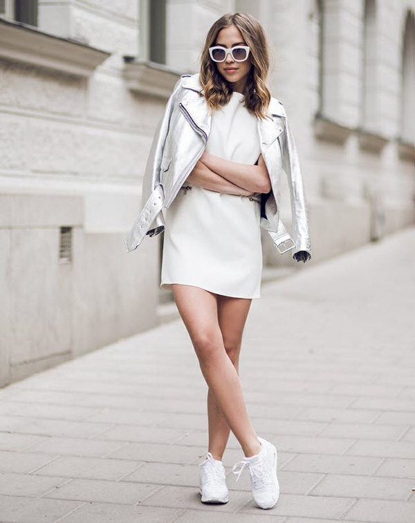 Tại sao bạn nên chọn cho mình 1 đôi giày sneaker màu trắng?