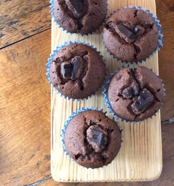 Magdalenas rellenas de chocolate fáciles
