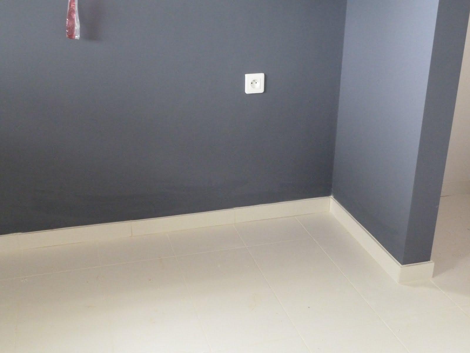 plinthe bois sur plinthe carrelage 28 images plinthe m 233 dium mdf droite rev 234 tu m 233. Black Bedroom Furniture Sets. Home Design Ideas