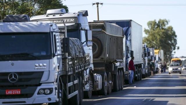 GREVE! Caminhoneiros cogitam nova paralisação após aumento do diesel