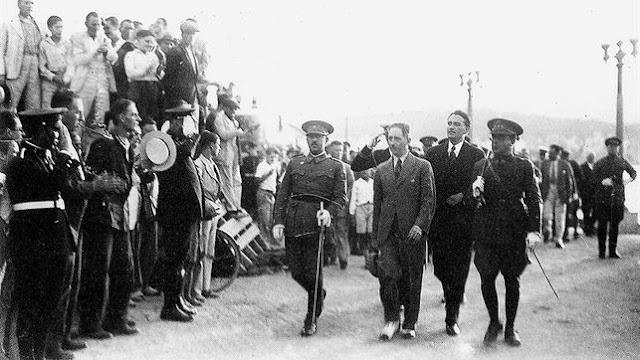 Companys, Franco, paseo, caudillo, antes del paseíllo por Montejudaico, Montjuic
