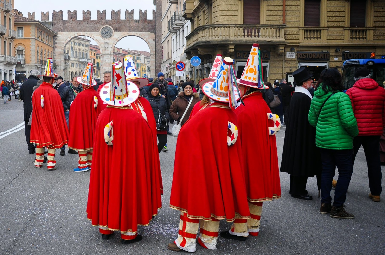 The retinue of the Papa del Gnoco - called the Macaroni - at Verona Carnival