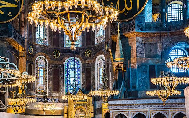 Τουρκία: Σχέδια για τηλεοπτική μετάδοση της προσευχής από την Αγία Σοφία