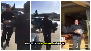 بالفيديو : سائق حافلة يتركها وسط الطريق وينزل لإقتناء الخبز.. ثم يعتدي بالعنف على إمرأة