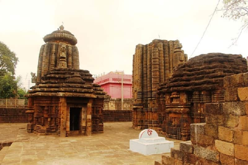 Top 12 Historical Wonders Of India That Everyone Should Visit Once   Papanasini Siva Temple