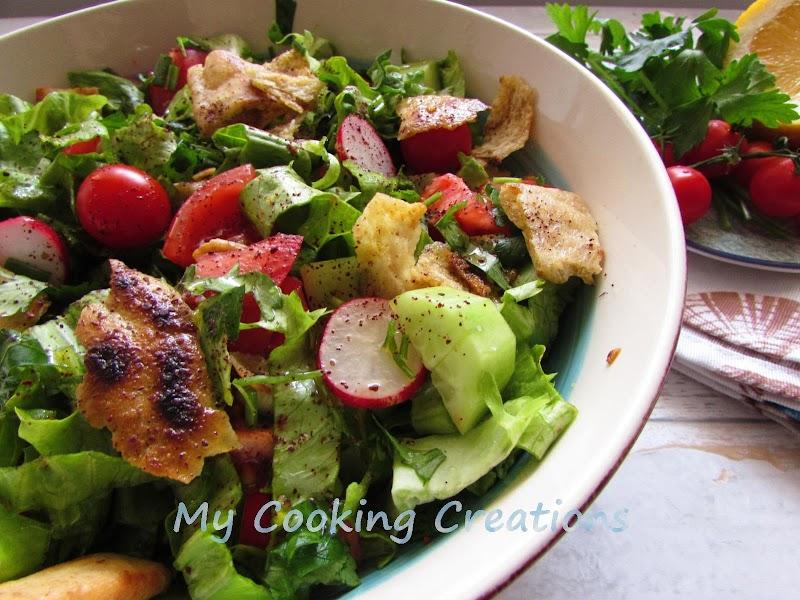 Фатуш - ливанска хлебна салата със сезонни зеленчуци * Fattoush – insalata libanese con pane e verdure
