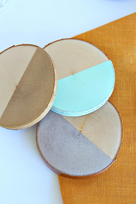 "DIY ""Dipped"" Painted Birch Slice Coasters | www.danslelakehouse.com"