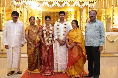 guests-at-Actress-Vijayalakshmi-wedding3