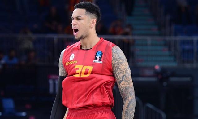 Galatasaray, Zach Auguste'u takımda tutuyor!