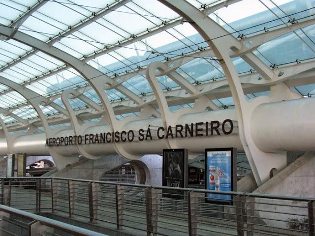 Fachado doAeroporto Francisco Sá Carneiro no Porto