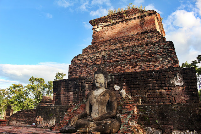 A buddha statue in Sukhothai