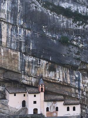 Vallarsa Eremo di San Colombano
