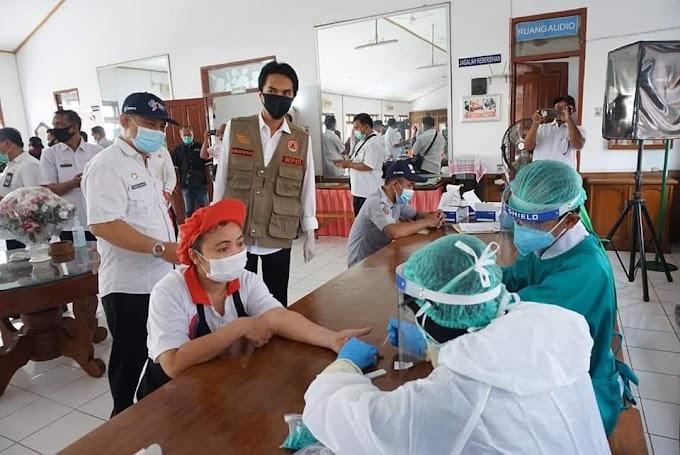 Karyawan PT. DMA Dites Tim Gugus Percepatan Penanganan Covid-19 Kabupaten Madiun